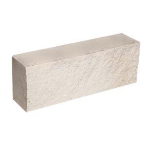 Брусок-кирпич облицовочный полнотелый белого цвета, ложковый, скол скала, размер 250x50x88 мм