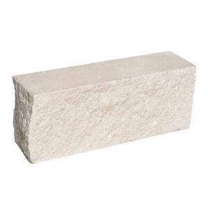 Брусок-кирпич облицовочный полнотелый белого цвета, угловой, колотый, размер 225x60x88 мм