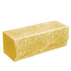 Кирпич облицовочный полнотелый полуторный ложковый, скол скала, желтого цвета, размер 250х90х88 мм