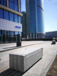 Бетонные скамейки – мебель для открытых пространств